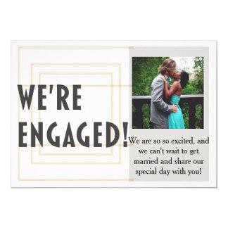 Invitación moderna del compromiso del boda del oro