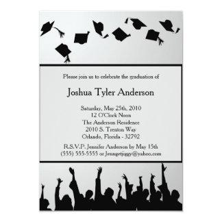 Invitación negra blanca de la fiesta de graduación