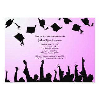 Invitación negra rosada de la fiesta de graduación