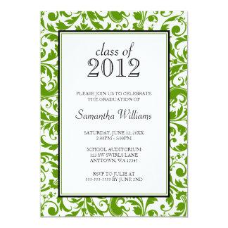 Invitación negra verde de la graduación del invitación 12,7 x 17,8 cm