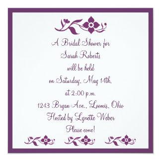 Invitación nupcial floral blanca violeta de la