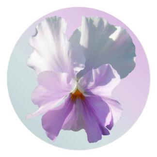 Invitación - pensamiento rosado rizado invitación 13,3 cm x 13,3cm