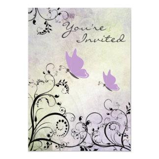 Invitación púrpura bonita de la fiesta de