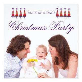 Invitación púrpura de la fiesta de Navidad de la