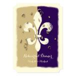 Invitación púrpura del acontecimiento de la flor