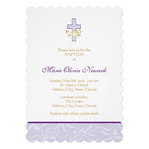 Invitación púrpura del bautismo del chica de la cr
