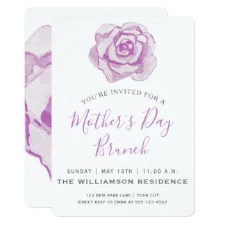 Invitación púrpura del brunch del día de madre de