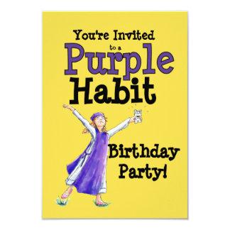 Invitación púrpura del fiesta del hábito