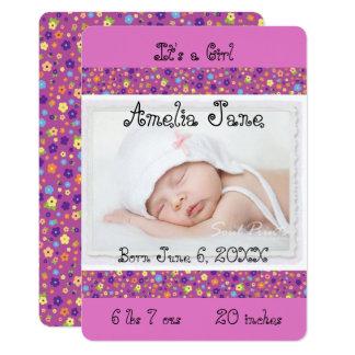 Invitación recién nacida púrpura linda de la foto