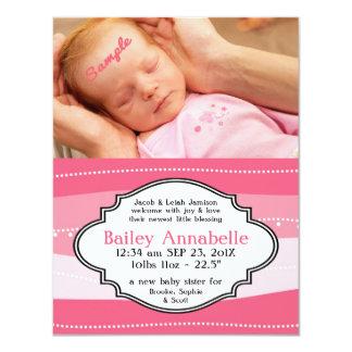 Invitación recién nacida rosada bonita del