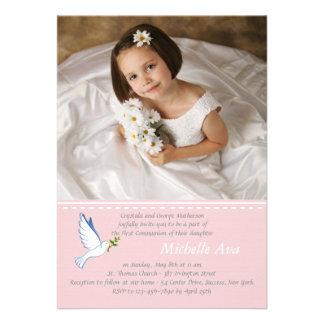 Invitación religiosa rosada de la foto de la palom