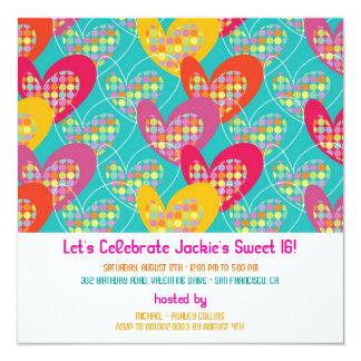 Invitación retra del cumpleaños de los corazones