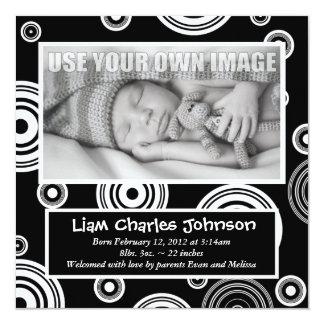 Invitación retra negra y blanca del bebé de los