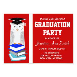 Invitación roja/blanca de la graduación del búho