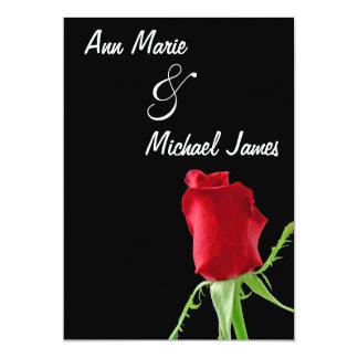 Invitación roja de la ducha del boda del capullo