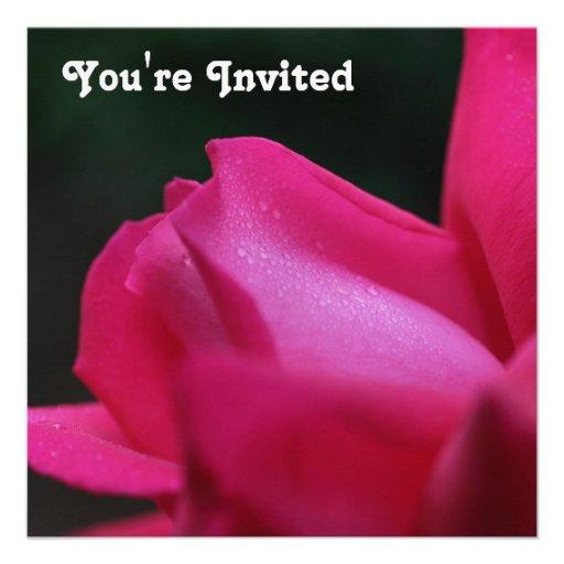 Invitación roja de la flor del capullo de rosa