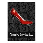 Invitación roja descarada del zapato