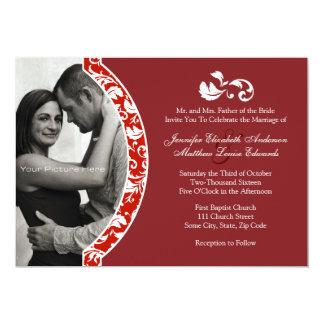 Invitación roja y blanca del boda de la foto del