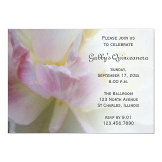 Invitación rosada de lujo de Quinceanera del
