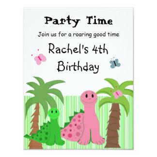 Invitación rosada del cumpleaños del dinosaurio de invitación 10,8 x 13,9 cm