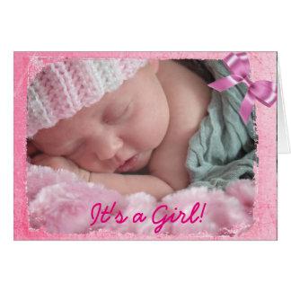 Invitación rosada del nacimiento del arco para la tarjeta de felicitación