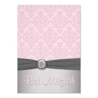 Invitación rosada y gris de Mitzvah del palo del