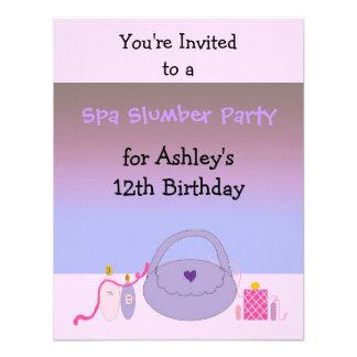 Invitación rosada y púrpura de la fiesta de cumple