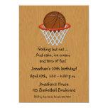 Invitación temática del cumpleaños del baloncesto invitación 12,7 x 17,8 cm