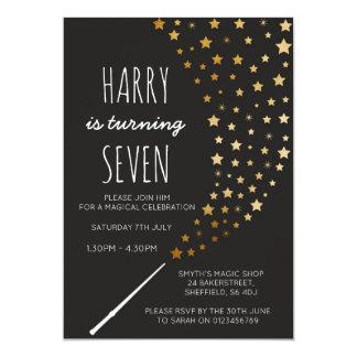 Invitación temática mágica de la fiesta de