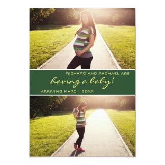 Invitación verde moderna del embarazo del collage