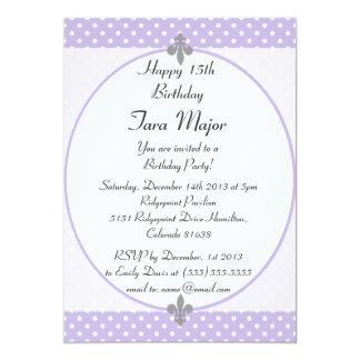 Invitación violeta elegante de la fiesta de