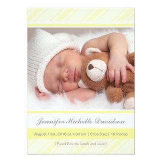 Invitaciones amarillas brillantes del nacimiento invitación 13,9 x 19,0 cm