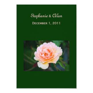 Invitaciones color de rosa perfectas del boda de anuncios personalizados