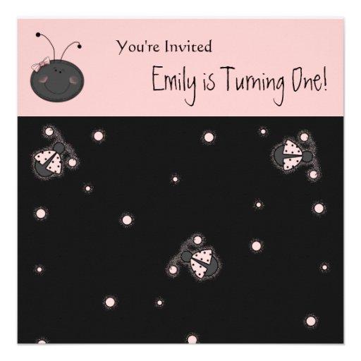 Invitaciones del cumpleaños de la señora rosada in comunicados personales