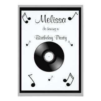 Invitaciones del cumpleaños de las notas musicales invitación 12,7 x 17,8 cm