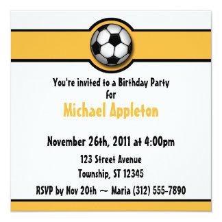 Invitaciones del cumpleaños del amarillo/del oro invitación 13,3 cm x 13,3cm
