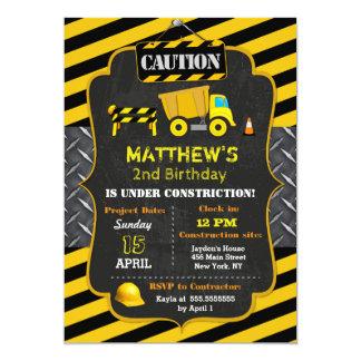 Invitaciones del cumpleaños del camión volquete de