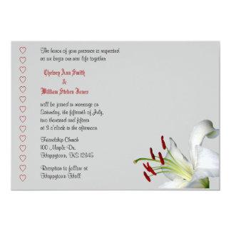 Invitaciones del lirio, blancas y rojas del boda invitación 12,7 x 17,8 cm