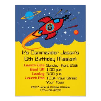 Invitaciones del personalizado del cumpleaños de comunicado
