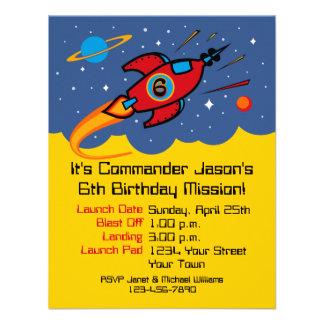 Invitaciones del personalizado del cumpleaños de l comunicado