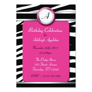 Invitaciones fucsias del cumpleaños del monograma invitación 12,7 x 17,8 cm