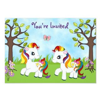 Invitaciones gemelas del cumpleaños del caballo de anuncios personalizados