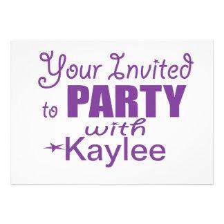 Invitaciones personalizadas de la fiesta de cumple comunicado personalizado