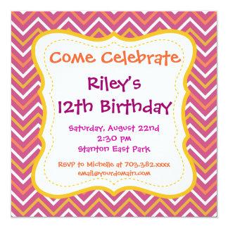 Invitaciones púrpuras de la fiesta de cumpleaños invitación 13,3 cm x 13,3cm