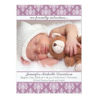 Invitaciones púrpuras del nacimiento de la niña invitación 13,9 x 19,0 cm