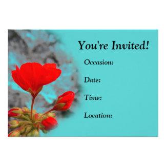 Invitaciones rojas bonitas de la flor invitación
