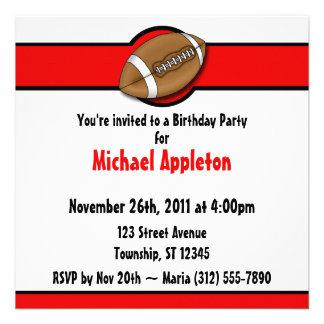 Invitaciones rojas del cumpleaños del fútbol comunicado