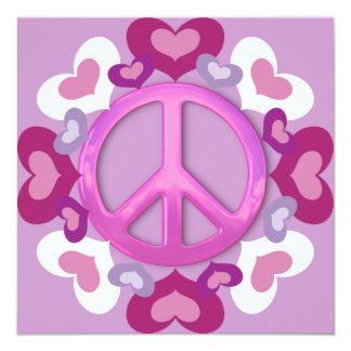 Invitaciones rosadas bonitas del signo de la paz y comunicado personalizado