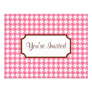 Invitaciones rosadas de Houndstooth Invitacion Personalizada