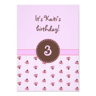 Invitaciones rosadas de la mariquita del chica invitación 12,7 x 17,8 cm